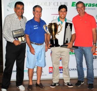 Paulo Vitor Mattos e Nivea Martins são campeões do Aberto do Ipê