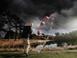 """""""Blowin' in the wind"""", soprar no vento: para dominar um vento lateral é preciso entender que, ao atingir o pico do voo, a bola perde impulso para a frente e fica à mercê do vento, principalmente nas fases finais do voo"""